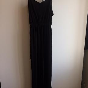 Lang basic kjole med slidser i siderne