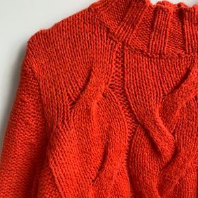 Smuk koralrevet og blød sweater 🌺