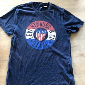 Levis t-shirt sælges. Rigtig fin stand   BYD 🥰