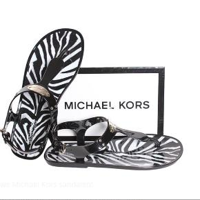 Michael Kors, flat sandals, brugt max 4 gange , som nye, Str 38/ 38,5 Ny pris 699kr Mp 330 kr Fast pris