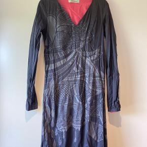 Skunkfunk kjole