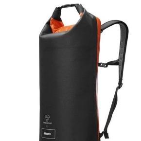 Vivobarefoot Finisterre waterproof rucksack på 35 l.  Nypris 1296,- kr.