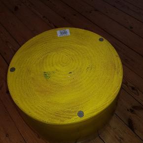 KRUKKE Portugisisk, glaseret og ubrugt.  Målene:              H: 33cm. Diameter: 31cm.  Se de andre ting, som jeg har til salg.