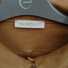 Brun In Front Denim jakke str L/40 med metal knapper