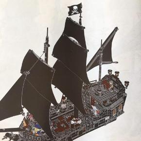 Piratskib The Black Pearl nr 4184 få brikker er udskiftet med andre nye Det hele er der samt samlevejledning Fremstår som nyt Kan sendes / hentes Esbjerg 6715 Mp 1900 kr Til salg på flere salgsider
