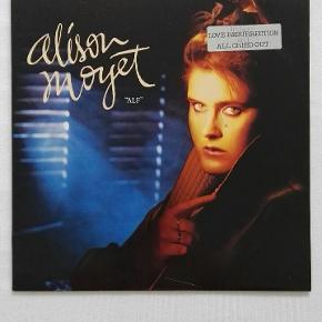 2 albums med 80er sangerinden Alison Moyet.   Prisen er fast.   KUN SERIØSE BUD!   Skal hentes i Kbh S eller kan fremsendes på købers regning.
