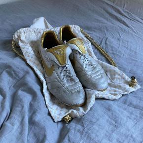 Nike Limited Edition, Ronaldinho Tiempo Legend Remakes