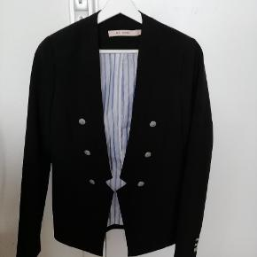 Blazer small sort 100 kr