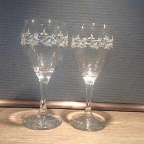 Marie Sohl vin glas med smuk blomster dekoration 12 hvidvin 11 rødvin BYD