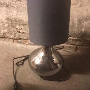 Fin bordlampe inkl skærm  Perfekt stand