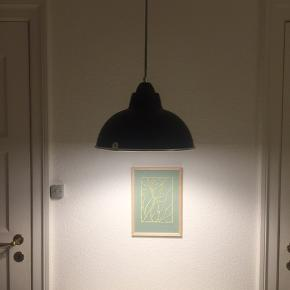 Fin loftslampe fra Ellos. kom med et bud