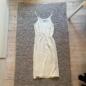 Laøhlé kjole