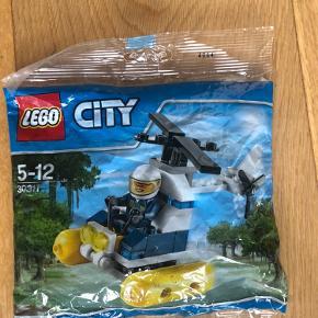 Aldrig brugt. I ubrudt emballage LEGO City sumphelikopter 30311. Limited edition