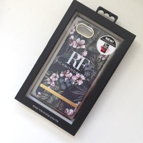 Richmond & Finch iPhone cover til 6/6S/7/8 - 350* beskyttelse.   Ny pris: 320 kr.  Aldrig brugt!