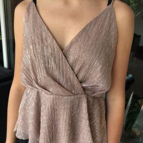 Fin trøje fra Gina Tricot 🌸 Aldrig brugt og helt ny, dog er prismærket taget af:)