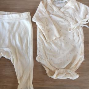 Marmar newborn sæt.  Body vasket aldrig brugt  Bukser vasket og brugt et par gange.   Sender gerne mod betaling