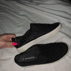 Helt som nye næsten ikke brugt Har fået dem af min søster så ved ikke hvad nypris var men sælges meget billigt  BYD!!!