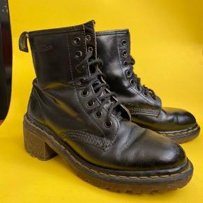 Vintage Dr. Martens med hæl