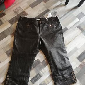 Læder bukser lidt stumpe