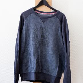 Tommy Hilfiger sweater i str. XL  I fin stand