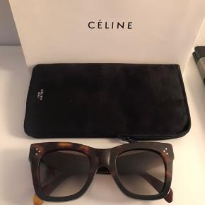 """629b93d06482 Helt nye (sprit nye) solbriller Modellen hedder vist """"Catherine Cateye"""" Alt  medfølger"""