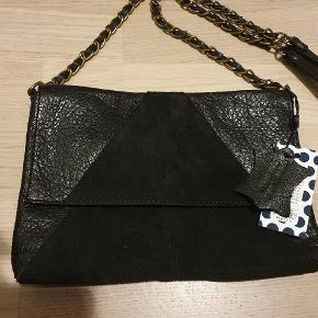 Crossbody taske i ægte læder fra Pieces - aldrig brugt