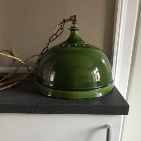 Flot grøn vintage keramik lampe. Kan hentes i København Ø og omegn  BYD