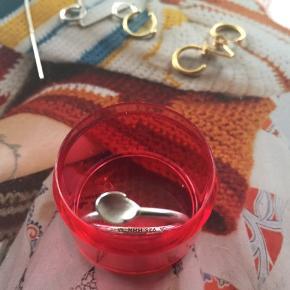 Spinning ring i sølv. Str M. Pris 50,-pp Bytter ikke.