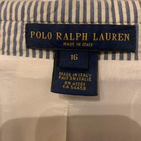 *Jeg er villig til at reducere prisen yderligere i en hurtig handel*  Ekstremt fed polo Ralph lauren blazer. Kan kun fås i usa   Str 16 fitter S-M