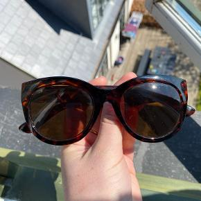 & Other Stories solbriller