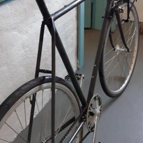 Fed streetbike. Helt nyrenoveret og kører som en drøm🚴🏻♂️