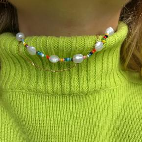 PHIA håndlavede smykker ✨ multifarvet perlekæde med ferskvandsperler
