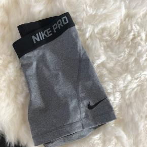 Nike indershorts / korte træningsshorts
