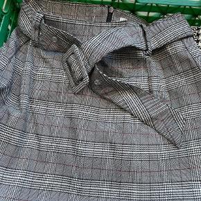 Jennyfer nederdel