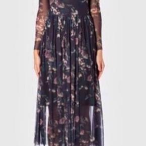 Smuk mesh kjole.