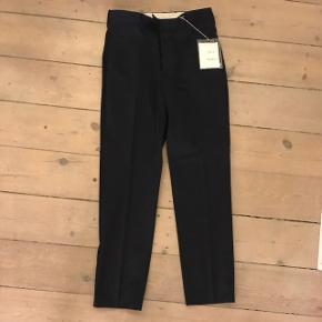 Helt nye herre acne bukser fra Strøm. Sælges da de er for små til kæresten.
