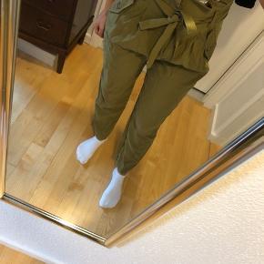 Helt nye super fede army grønne bukser