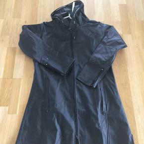 jeg bytterikke har aldrig fået den brugt rainwear by roejser str l men kan også bruges af m