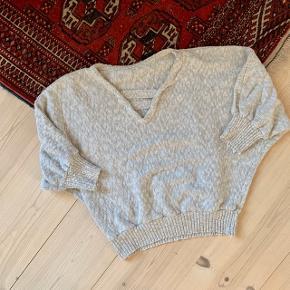 Vintage oatmeal coloured sweater 🦙🦙🦙