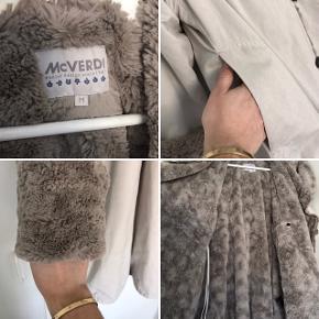 Super flot McVERDI jakke/frakke i rigtig flot stand, brugt ganske få gange.