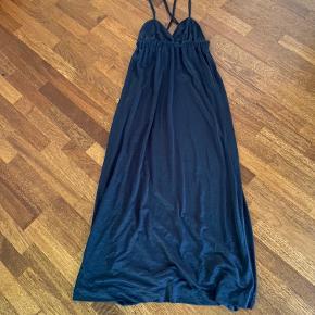Brugt en enkelt gang   Flot gulvlang kjole