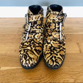 Leopard print ankle boots in good condition. From ASOS