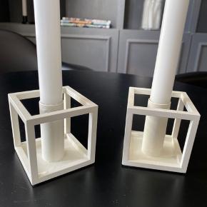 2 stk. By Lassen lysestager sælges samlet for.  De trænger til et varmt sæbevand, men ellers fremstår de nye. Sælges da jeg ikke har brugt dem længe.