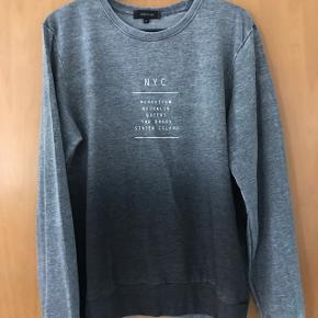 Virkelig fed trøje fra River Islands.  Tag den for 150 inkl forsendelse med DAO :-).