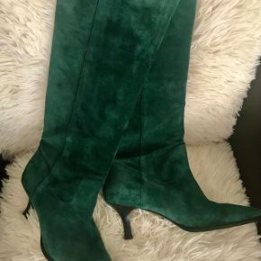 BRONX heels