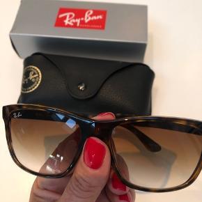 Ray-Ban 4181 i brune, aldrig brugt