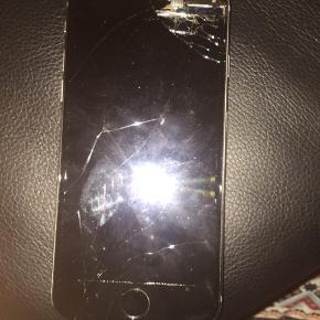Virker ikke. IPhone 6 sort, skal laves.  Hentes i hbk