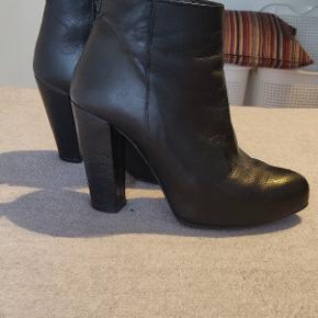 Super fede læder støvler fra shoe biz Copenhagen 😍