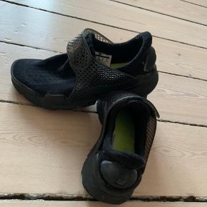 Np 1000,-  Nike Sock Dart - lækreste sål!  Aldrig brugt