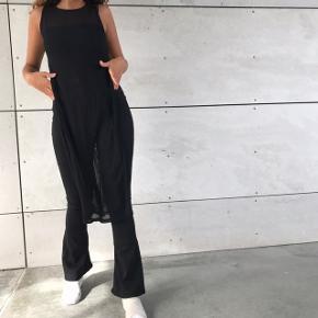 Fed lang bluse 🌸💖 kan bruges ud over outfits